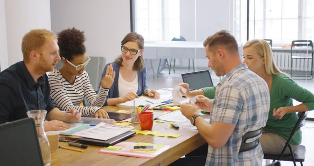 8-cosas-que-la-gente-inteligente-nunca-revela-sobre-si-mismas-en-el-trabajo