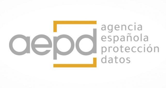aepd-alerta-pymes-autonomos-riesgos-contratar-servicios-coste-cero