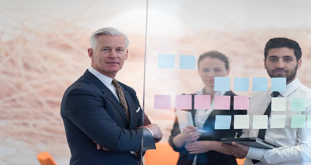 apoyo-emprendedores-senior-genera-beneficios-estabilidad-economica