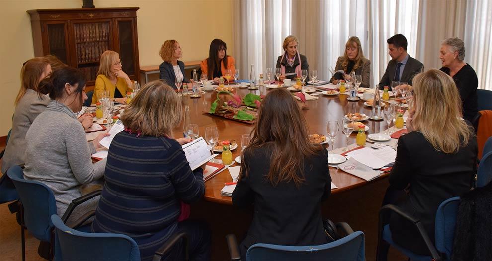 comissio-dona-i-empresa-foment-desplega-programes-formacio-networking-i-suport-institucional