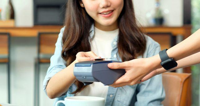 compradores-millennial-generacion-z-lideran-adopcion-pagos-contactless