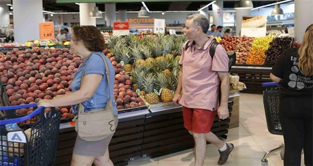 consumidores-realizan-compras-diarias-tiendas-conveniencia-no-generan-confianza