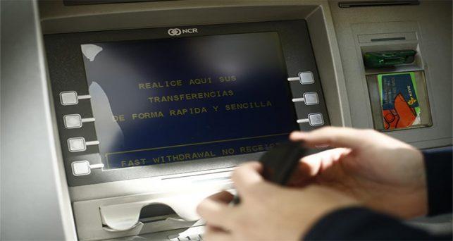 decreto-impide-bancos-cobrar-comision-mas-3-euros-una-cuenta-basica-vigor-20-dias