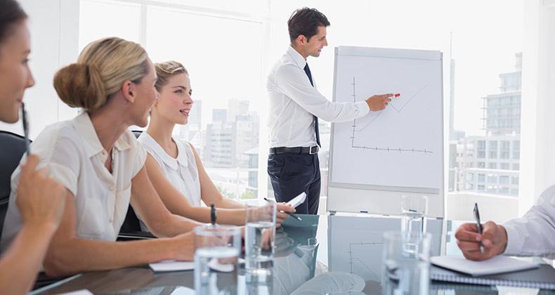 directivos-forman-empleados-futuros-puestos-ante-escasez-talento