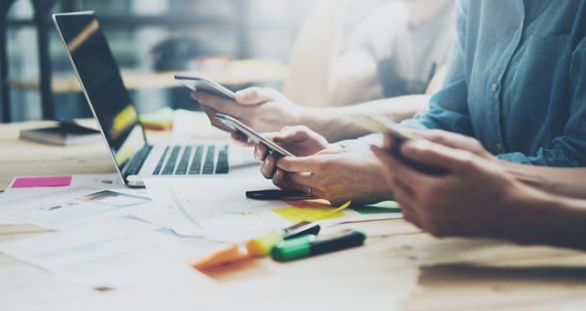 empresas-recelan-uso-soluciones-abiertas-mensajeria-instantanea-empleados
