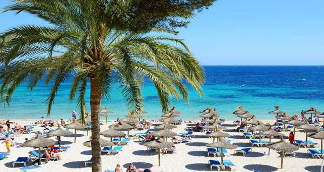 espana-cierra-2018-82-millones-turistas-extranjeros