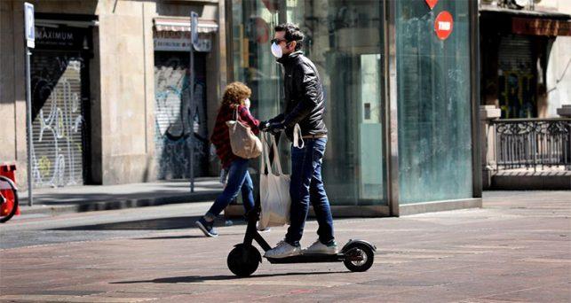 espanoles-apuestan-bicicletas-patinetes-electricos-vuelta-trabajo