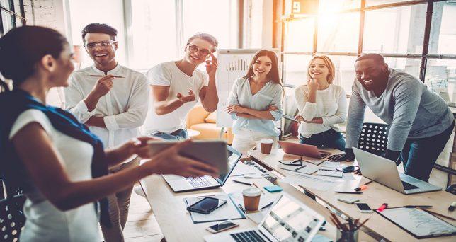 gestionar-compromiso-empleado-aumenta-beneficios