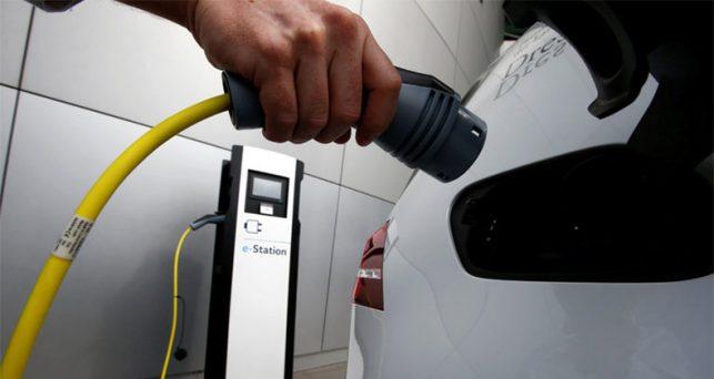gobierno-dara-6-meses-adicionales-pequenas-gasolineras-instalar-puntos-recarga-electrica
