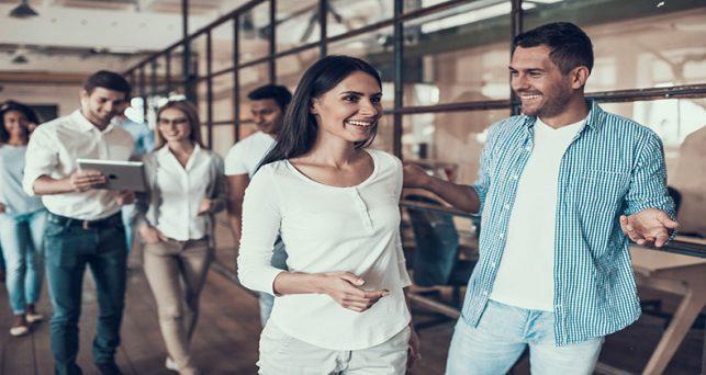 jovenes-espanoles-quieren-emprender-trabajar-una-gran-empresa-partes-iguales