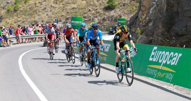 la-vuelta-19-primer-evento-deportivo-espana-conecta-vehiculos-medicos