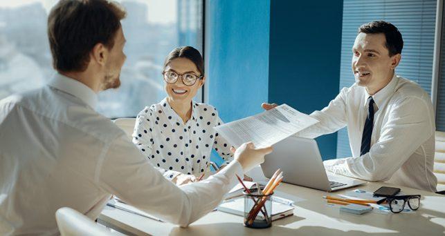 maneras-de-llevarte-bien-con-un-jefe-adicto-al-trabajo