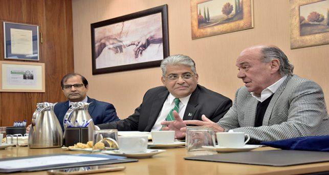 presidente-la-fer-expresa-deseo-seguir-aumentando-las-relaciones-comerciales-pakistan